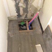 床下の配管の状態