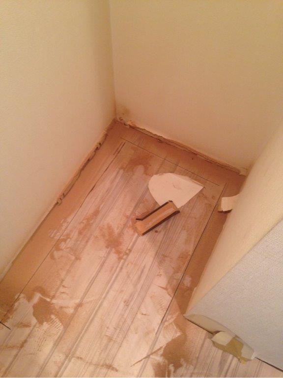 床の改修工事中
