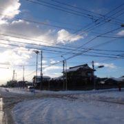 雪の降る町